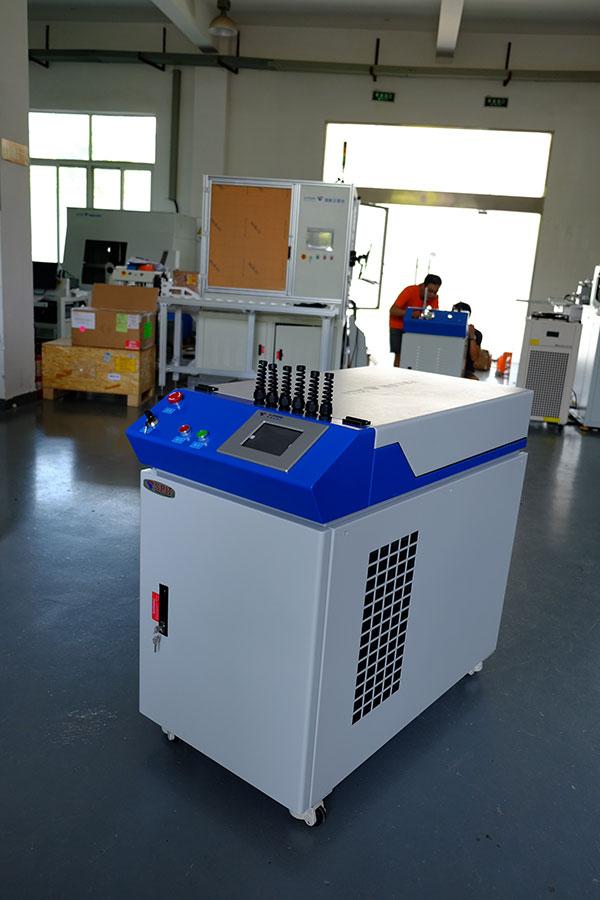 YAG固体激光焊接机(光纤传输方式)